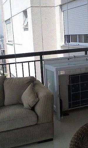 Caixa de vidro para ar condicionado