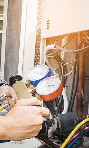 Conserto e manutenção de ar condicionado