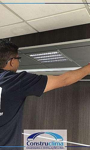 Serviço de manutenção de ar condicionado