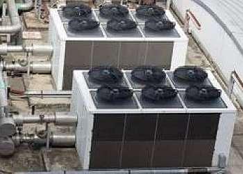 Sistema de resfriamento adiabático evaporativo